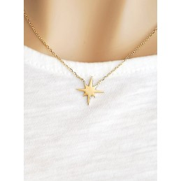 Collier étoile plaqué or