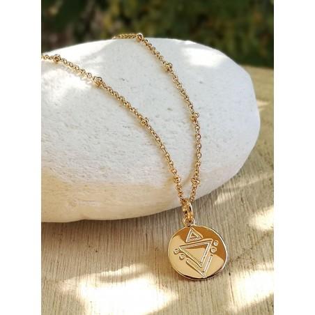 Médaille gravée symbole géométrique plaqué or