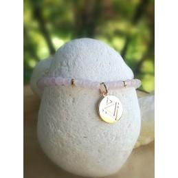 Bracelet en Quartz Rose Médaille Gravé Plaqué or