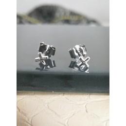 Boucles d'oreilles puces croix argent