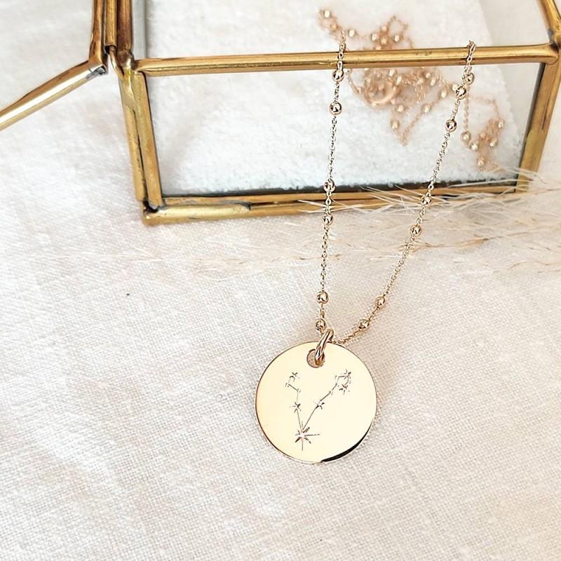 Collier personnalisé plaqué or médaille constellation
