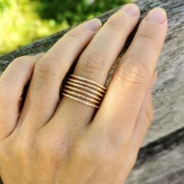 Bague plaqué or plusieurs anneaux martelés